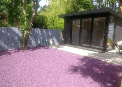 Plum coloured tyre chippings